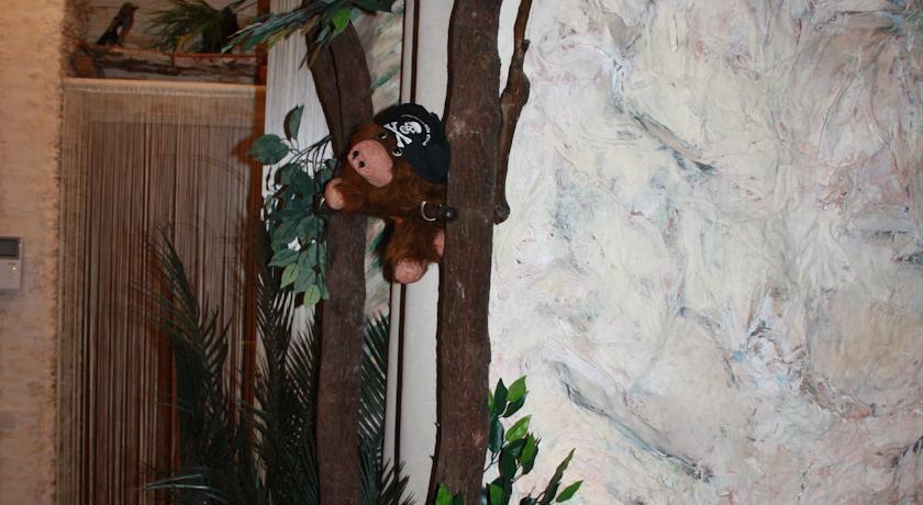 """У мережі висміюють квартиру """"уманського Мауглі"""" (ФОТО) (фото) - фото 3"""