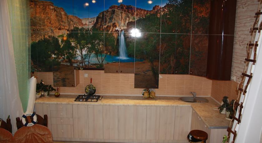 """У мережі висміюють квартиру """"уманського Мауглі"""" (ФОТО) (фото) - фото 6"""