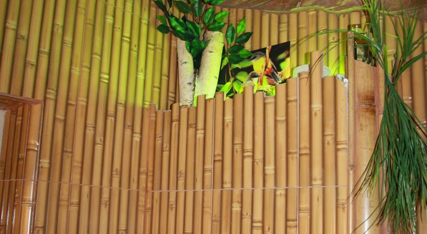 """У мережі висміюють квартиру """"уманського Мауглі"""" (ФОТО) (фото) - фото 7"""
