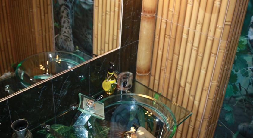 """У мережі висміюють квартиру """"уманського Мауглі"""" (ФОТО) (фото) - фото 9"""