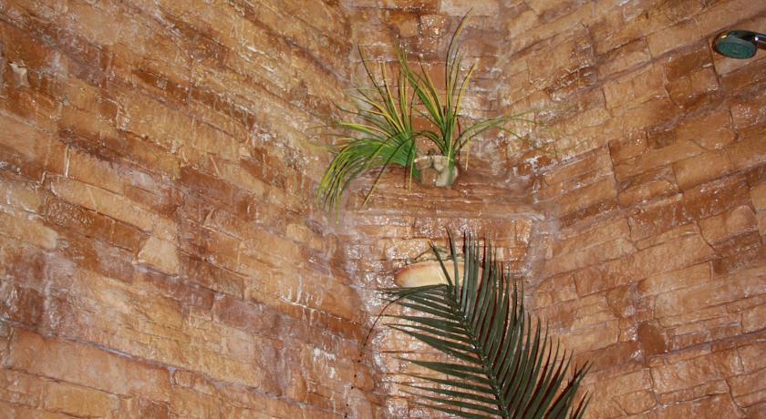 """У мережі висміюють квартиру """"уманського Мауглі"""" (ФОТО) (фото) - фото 10"""