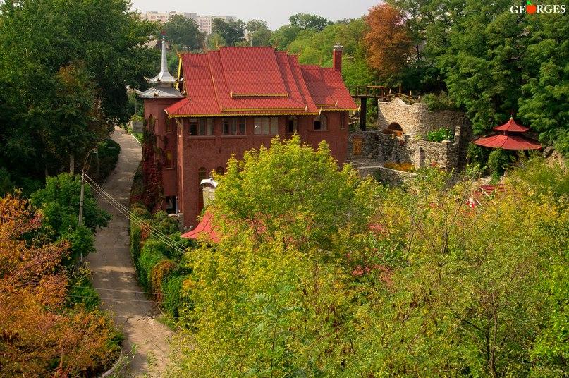 """""""Білий Лотос"""" у Черкасах - єдиний в Україні будистський храм. Фото Юрія Солонька"""