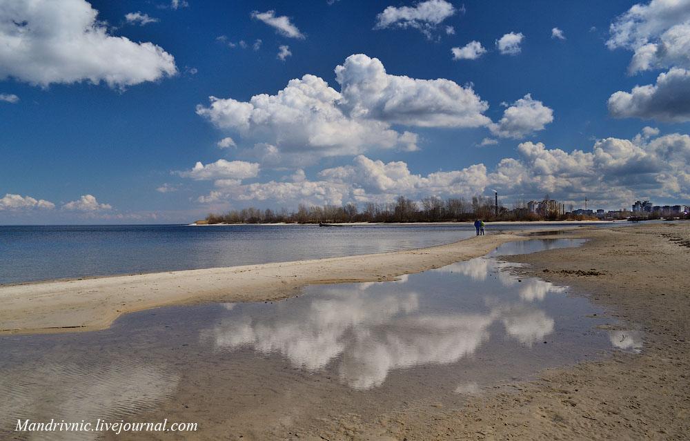Дніпро і хмари. Черкаси