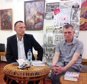 Борис Юхно - ліворуч